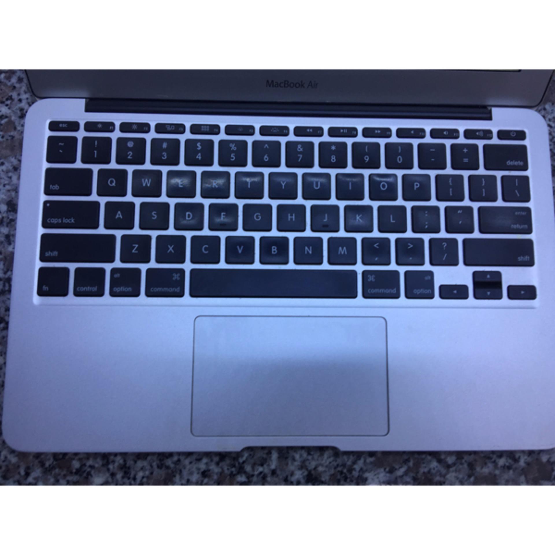 Macbook Air Core i5 ram 2gb, ssd 64gb, màn hình 11in máy đẹp như mới như hình