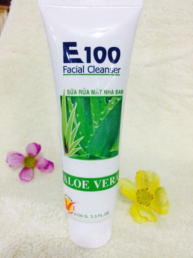 Sữa rửa mặt dưỡng ẩm nha đam E100 tuýp 100gram
