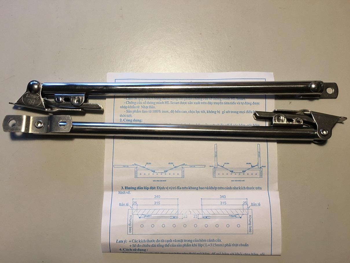 thanh chống gió cửa sổ (2 cái ) inox, thanh chong gio cua so