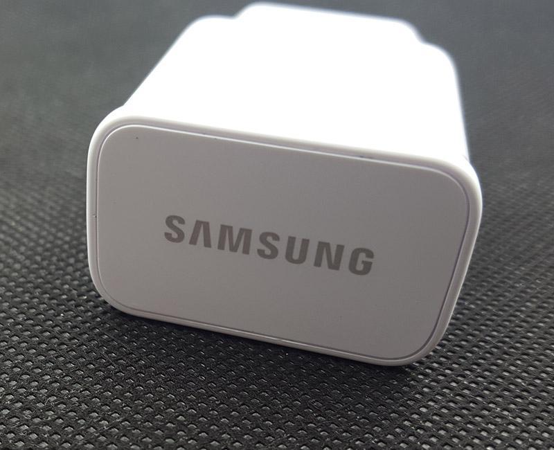 Củ sạc samsung 2A siêu bền sạc cực nhanh dành cho Samsung!