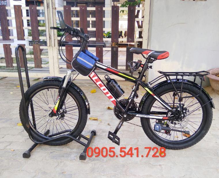 Xe đạp địa hình trẻ em Alcott 350 màu đỏ