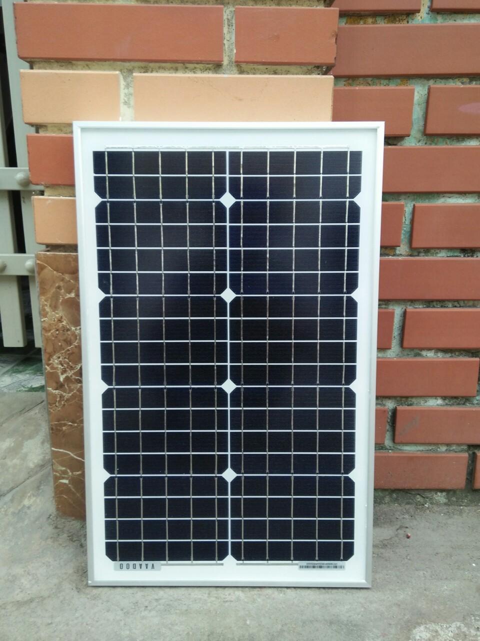 Tấm pin năng lượng mặt trời 25W Mono + sạc 10a