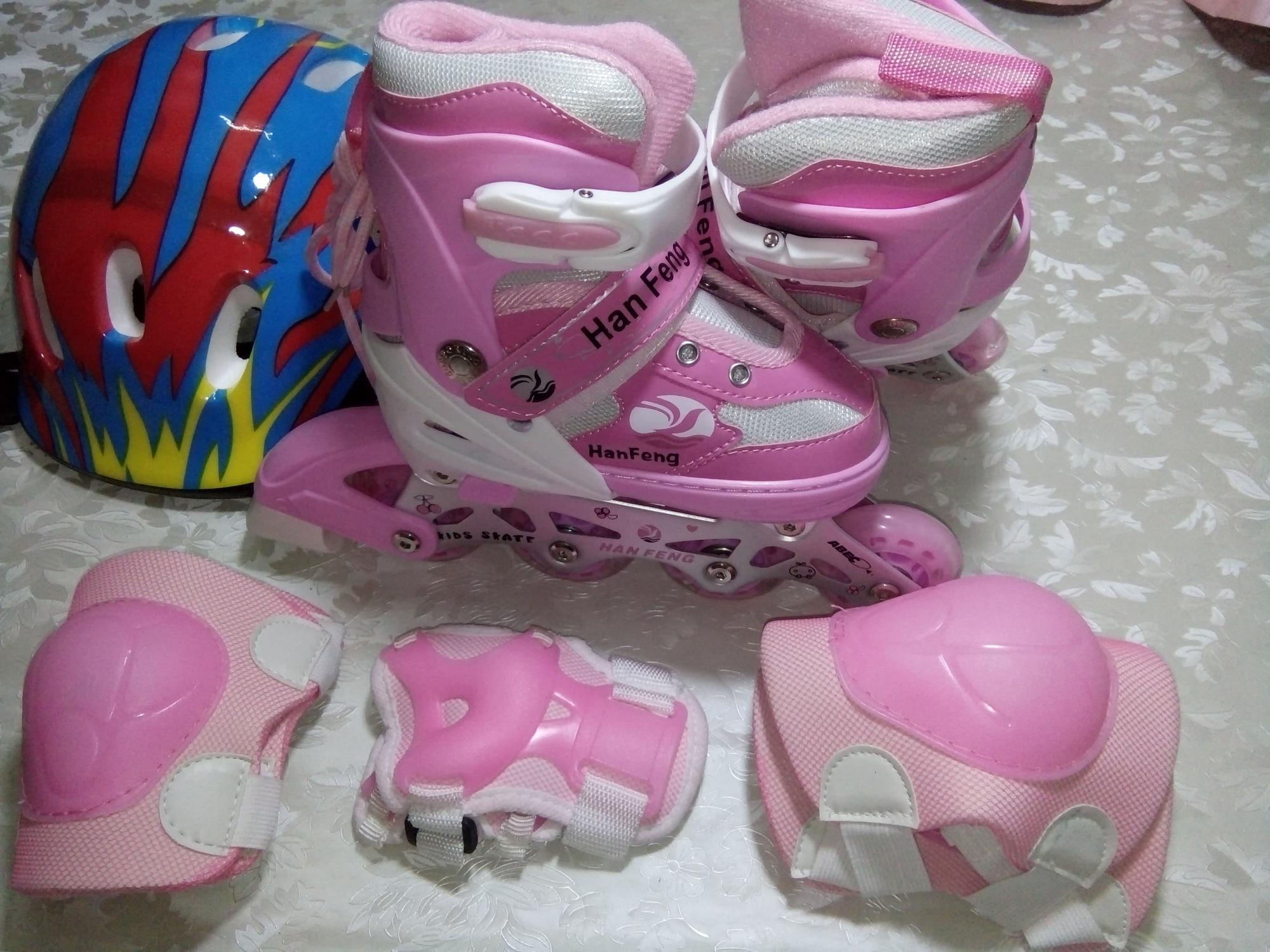 Giày trượt patin màu hồng size M (Từ 6-10 tuổi 35-38) có đèn led phát sáng ở bánh xe + Tặng bộ bảo hộ, nón bảo hiểm