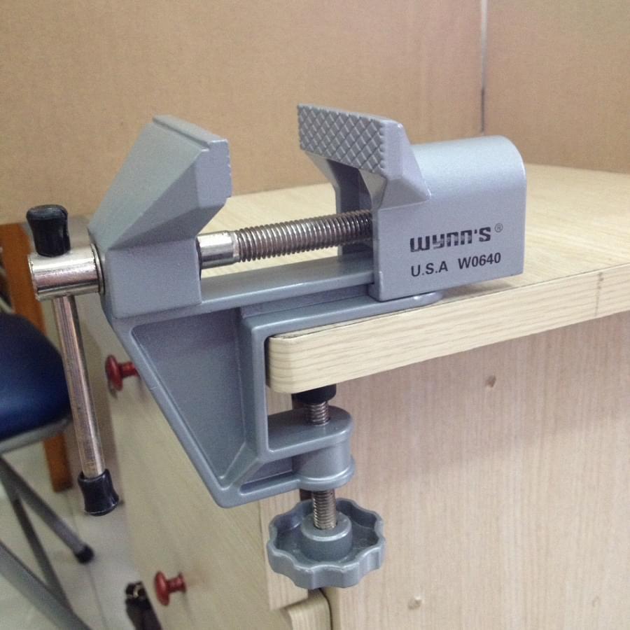 Etô kẹp bàn cố định 40mm, Wynns - W0640