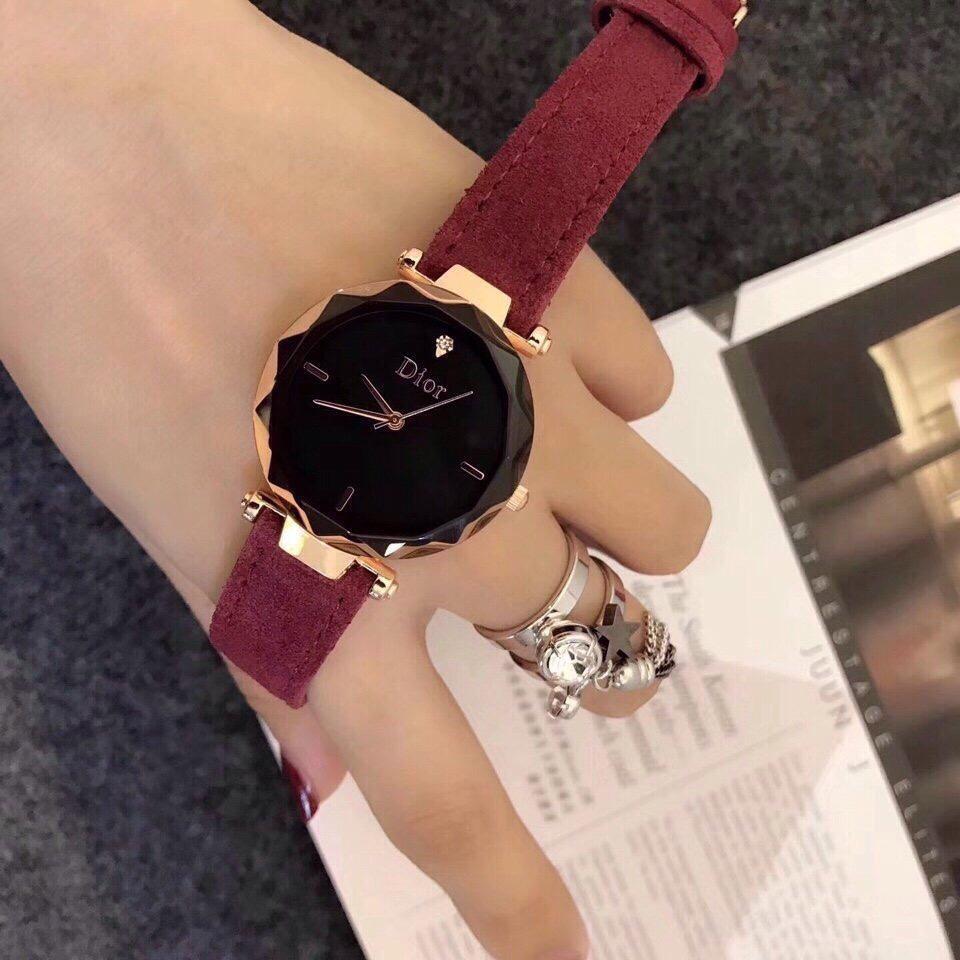 Đồng hồ nữ dây da lộn