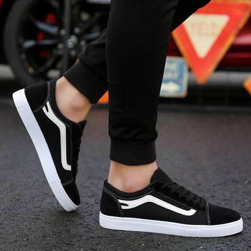 ✅ SALE OFF ✅ Giày SNEAKER DA LỘN G5 ( ĐEN KẺ TRẮNG ) Thể Thao/Giày Nam, chất thoáng mát, đế bằng, phong cách Hàn Quốc, phù hợp cho mùa hè, phong cách học sinh, mẫu mới nhất 2018 - URBAN SHOES LUXURY