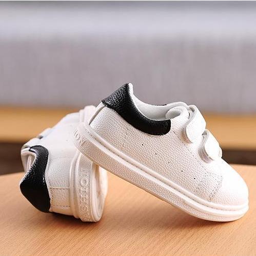 Hình ảnh Giày thể thao trẻ em sành điệu chống trơn trượt với 2 dây dán thuận tiện - 30TT063