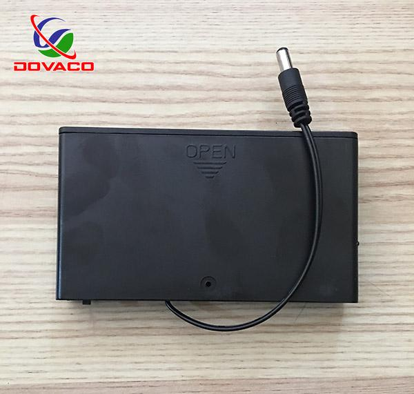 Hình ảnh Hộp chuyển đổi 8 pin tiểu AA 1.5V thành nguồn 12V Dovaco tiện lợi ( đen )