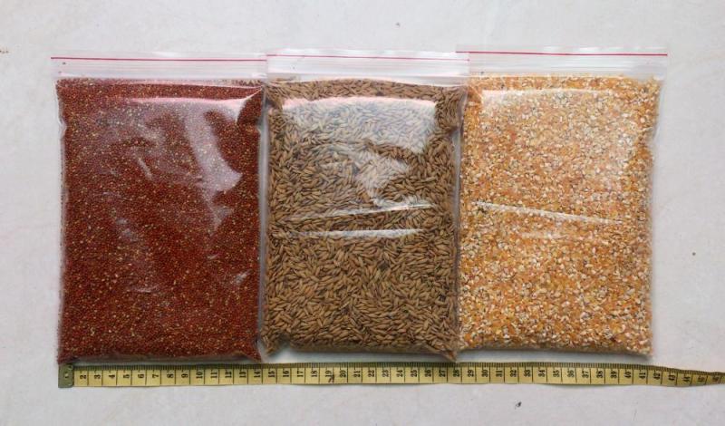 Combo 3 gói thức ăn cho chim kiểng, gà kiểng 330gr X 3 gói (lúa, hạt kê, bắp)