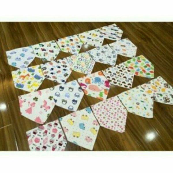 Giá bán khăn yếm tam giác