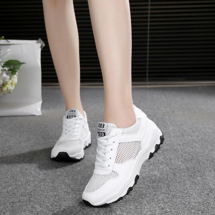 giày trắng.jpg