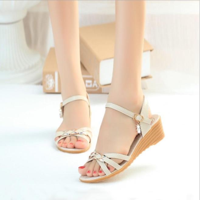 Giày Đế Xuồng Nữ Màu Kem ADORA - GN307 giá rẻ