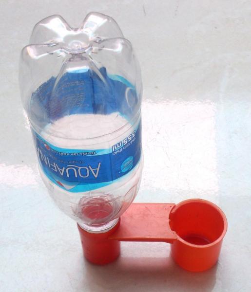 10 máng uống nước tự động cho vật nuôi