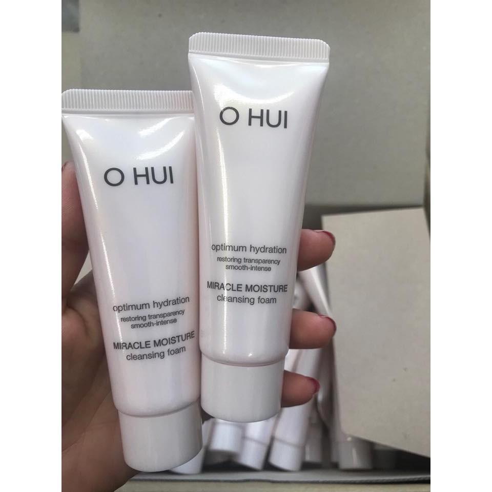 Sữa rửa mặt Ohui Miracle Moisture Cleansing Foam 40ml