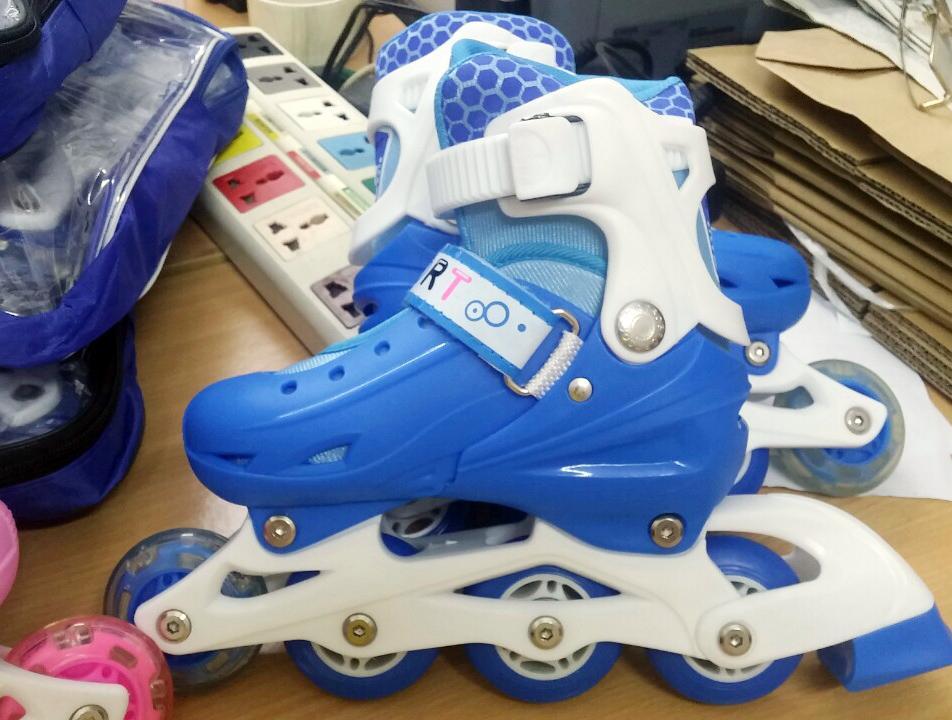 Giày trượt Patin cao cấp giá rẻ - Đèn phát sáng siêu đẹp (Tặng Full bộ bảo hiểm)