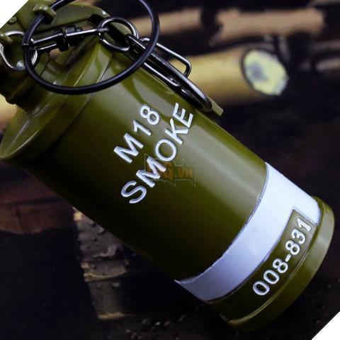 Hình ảnh Móc khóa mô hình smoke PUBG 10cm