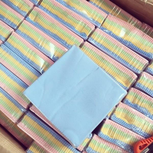 Giá bán Combo 100 khăn lau kính