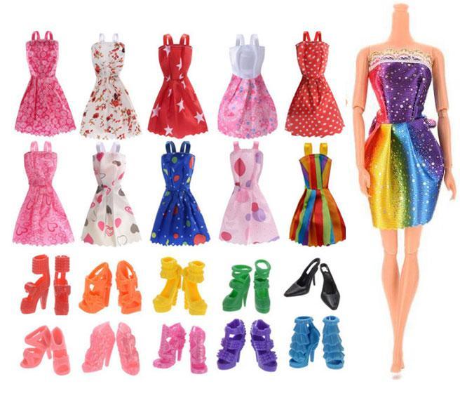 Bộ Phụ Kiện 10 Đôi Giầy Và 05 Váy Ngắn Dành Cho Búp Bê Giá Cực Ngầu