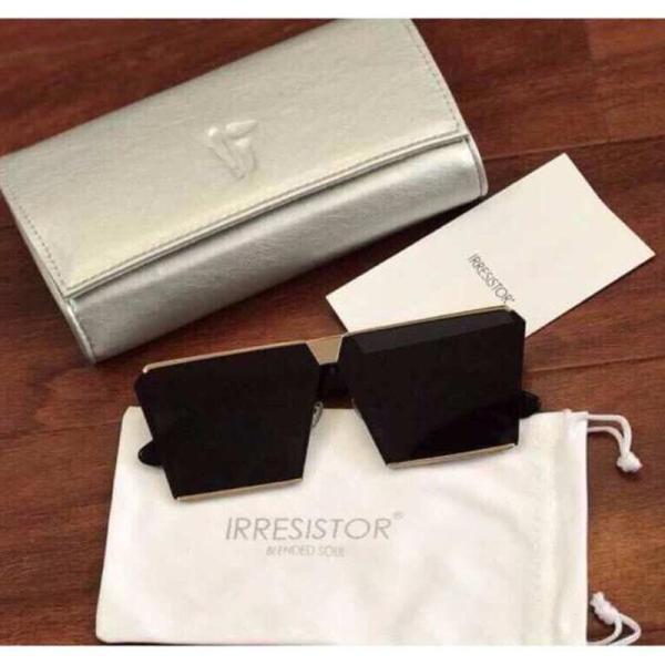 Mua SALE SỐC ĐÓN HÈ - Kính chống nắng, kính đi biển, kính râm thời trang, kính đen, Kính 4 cạnh mẫu mới nhất của thương hiệu hàng đầu màu đen cho nam nữ MK01-đen-01