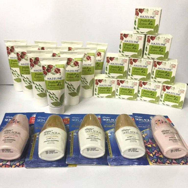 Bộ 25 món : 10 kem nén Hazeline Matcha Lựu Đỏ 3g/hộp + 10 sữa rửa mặt Hazeline 15g/tuýt + 5 kem chống nắng 5g/tuýt + tặng 1 túi đựng mỹ phẩm