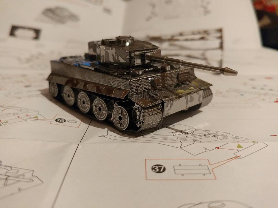 Hình ảnh Mô hình xe Tiger tank bằng thép không gỉ