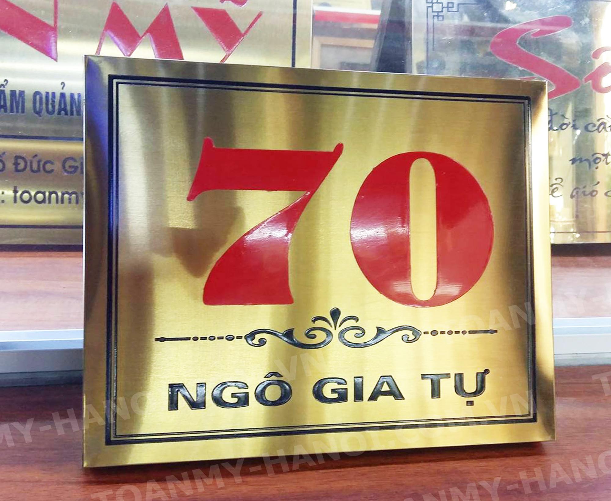 Biển số nhà Inox vàng mờ hoặc đồng-- KT: 22cm x 18cm