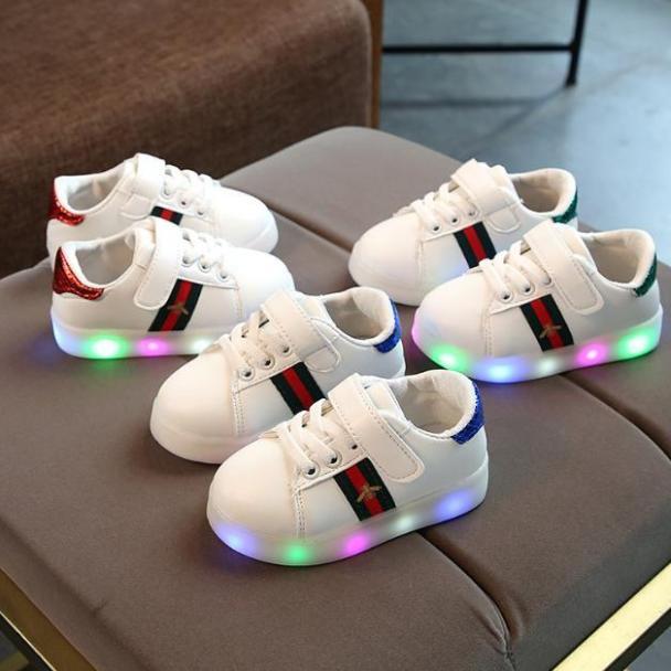 Giày thể thao có đèn LED cho bé trai và bé gái giá rẻ