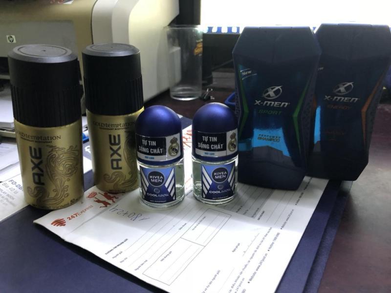 (TH) Trọn bộ dành cho nam giới 6 món gồm: 2 Chai dầu gội nước hoa Xmen 150g/Chai + 2 Chai xịt khử mùi Axe 50ml/Chai + 2 Chai lăn khử mùi Nivea for men 12ml/chai nhập khẩu