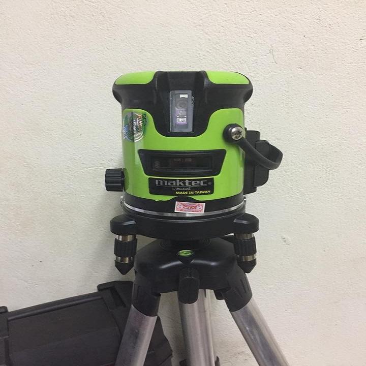 Máy cân mực laser MAKTEC 5 tia xanh - Phím cảm ứng kèm chân đế sạc