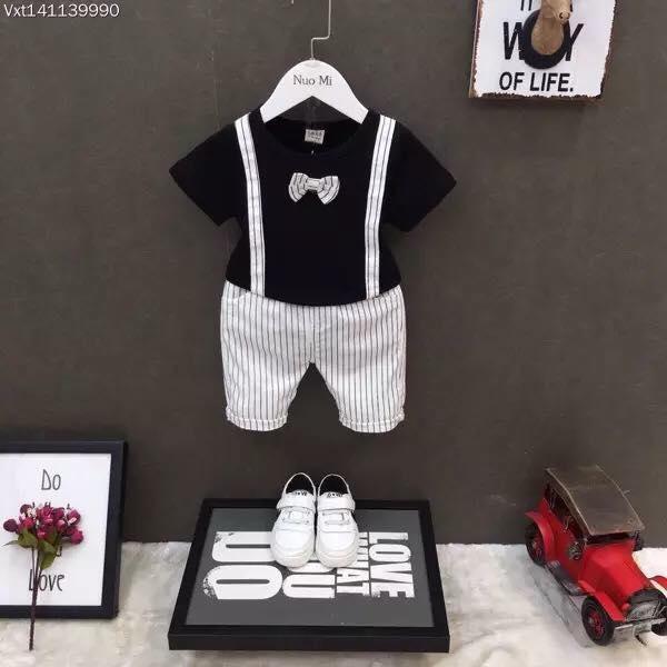 Hình ảnh Bộ quần áo công tử sành điệu cho bé.