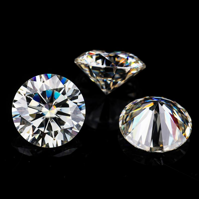 Moissanite diamond 7ly2