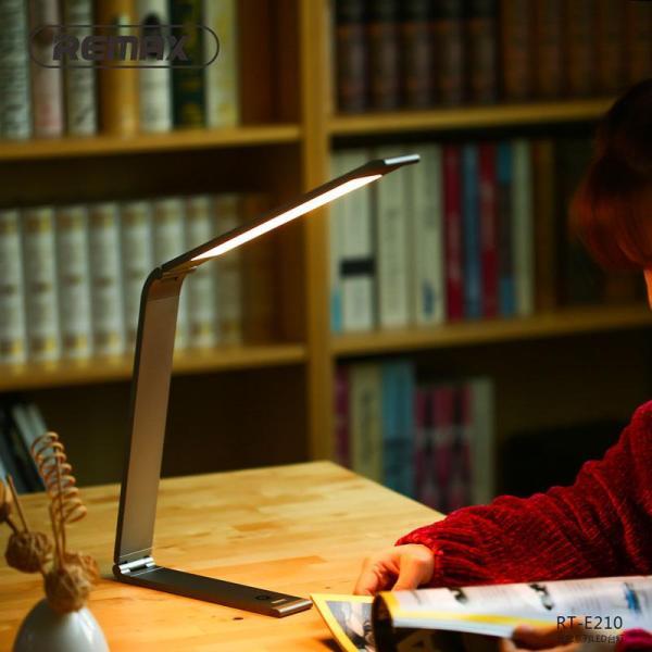 Đèn học, đèn bàn công nghệ LED tích điện thông minh chống cận đa chức năng thiết kế nhôm cao cấp Remax RT - E210 - Phân phối bởi Vietstore