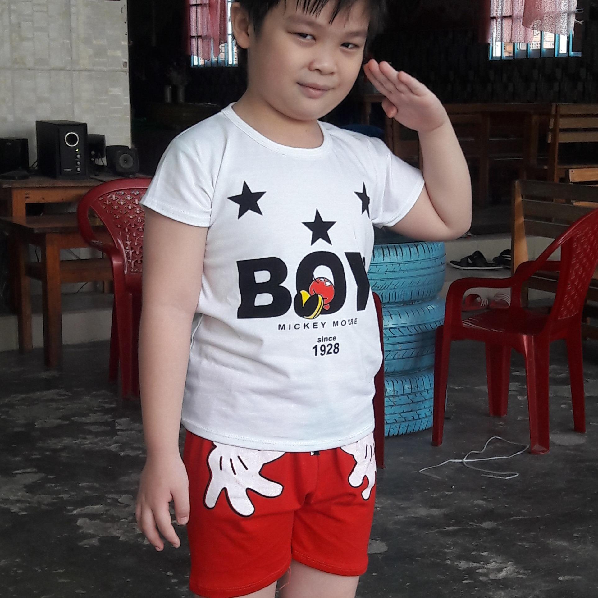 Hình ảnh Bộ thun cotton boy( Trắng- Đen) bé trai từ 18kg đến 35kg