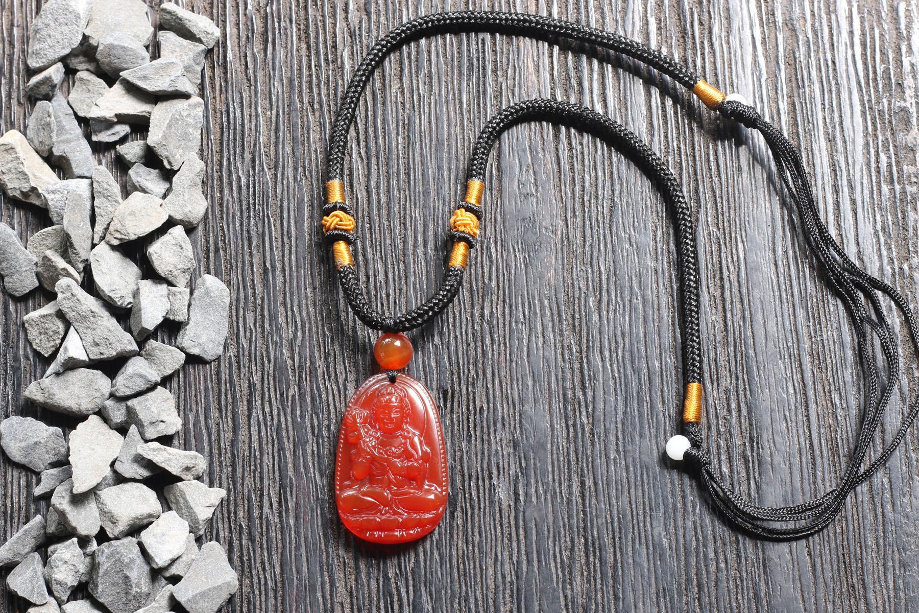 Mặt dây chuyền Đại Thế Chí Bồ Tát Mã Não Đỏ 3.5x2.3cm - Tặng dây đeo