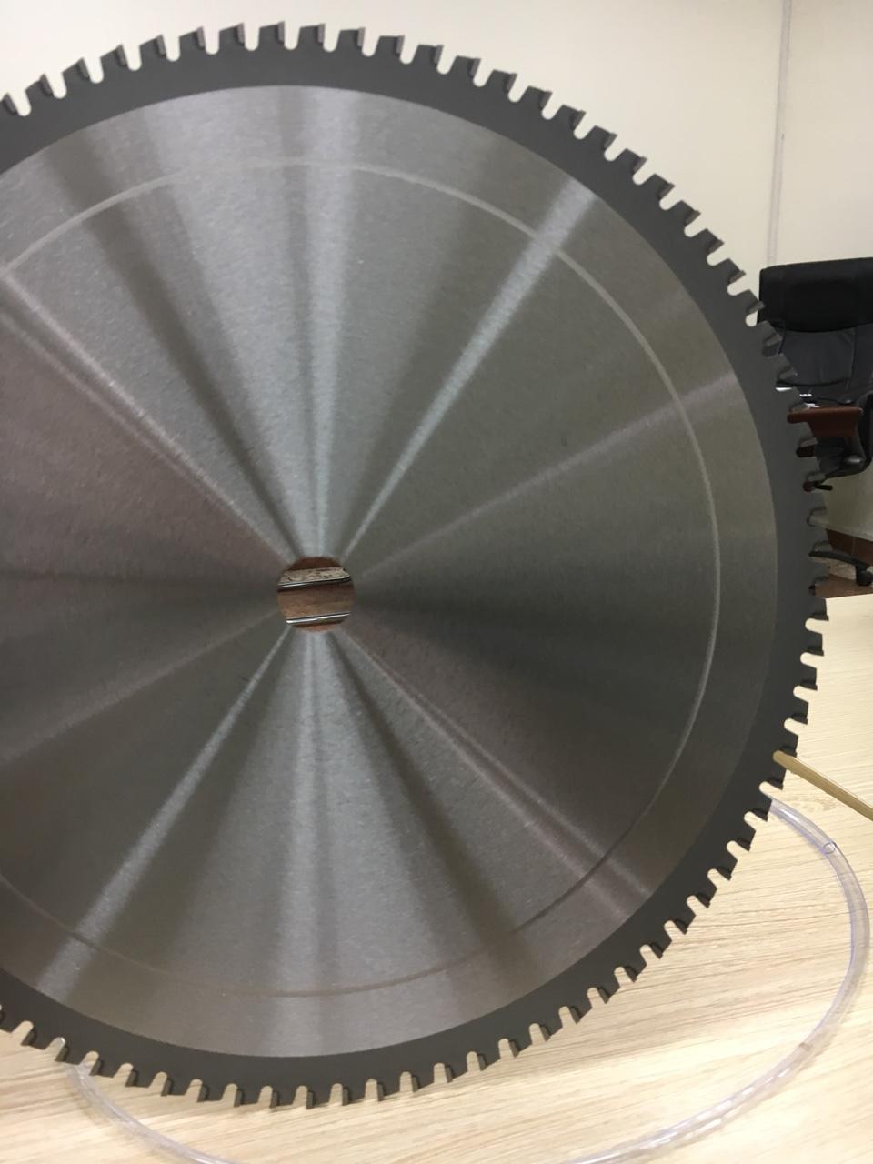 Lưỡi cắt sắt hợp kim 350 - 90 răng vòng tua 1600 vòng/ phút