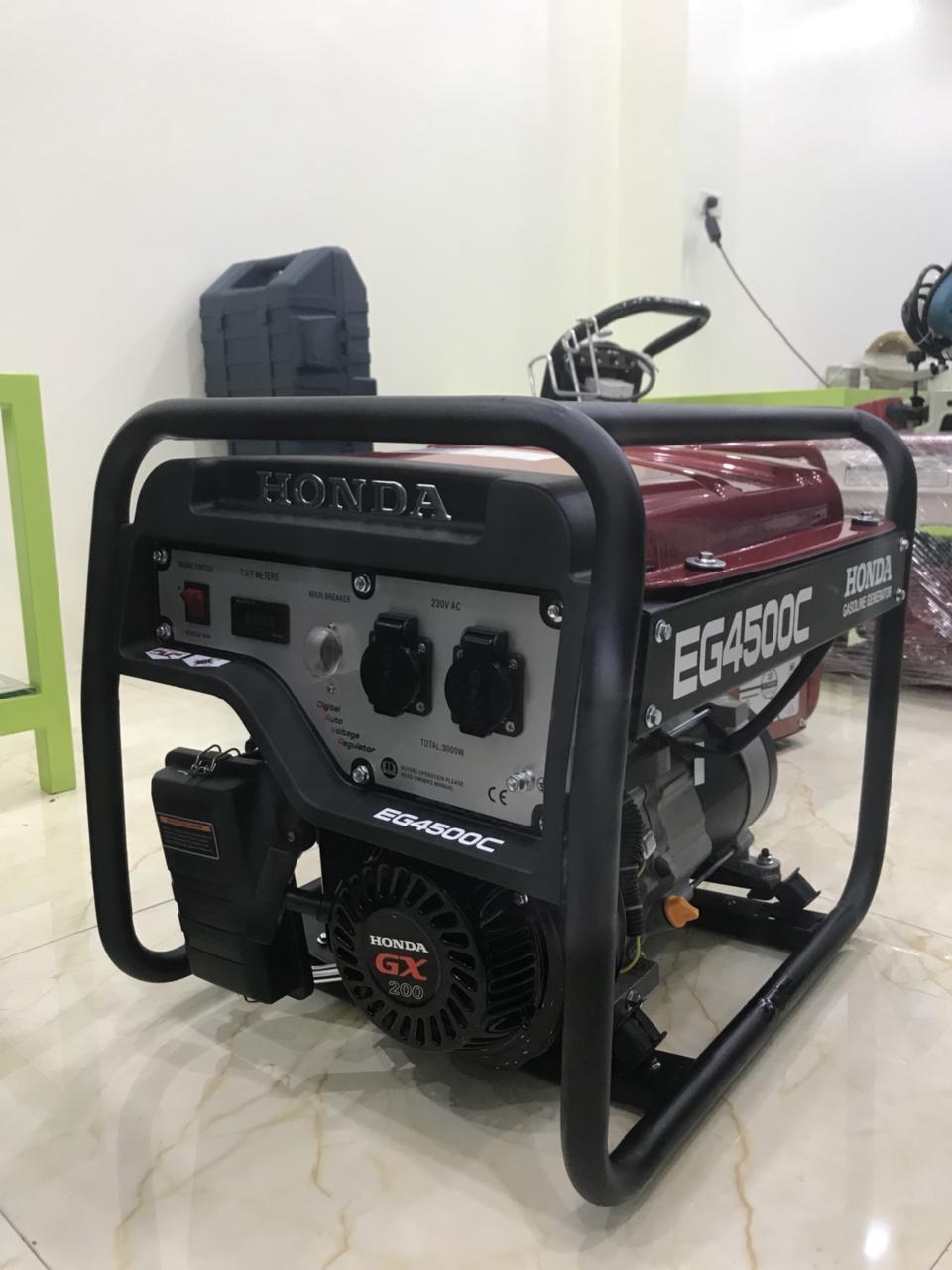 Máy phát điện chạy xăng EG 4500EX đề nổ và ắc quy