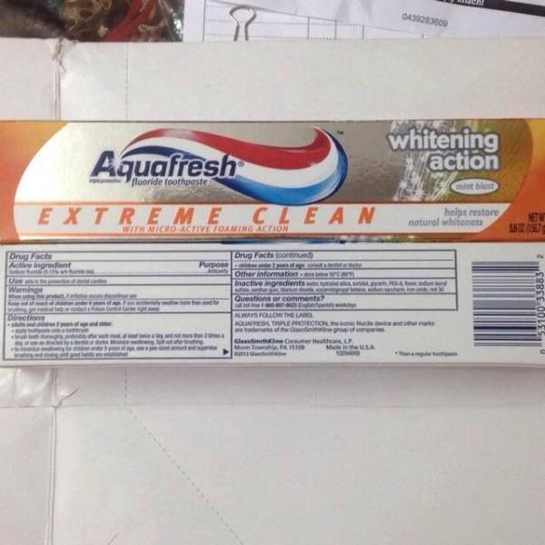 Kem đánh răng Aquafresh 160g Mỹ giá rẻ