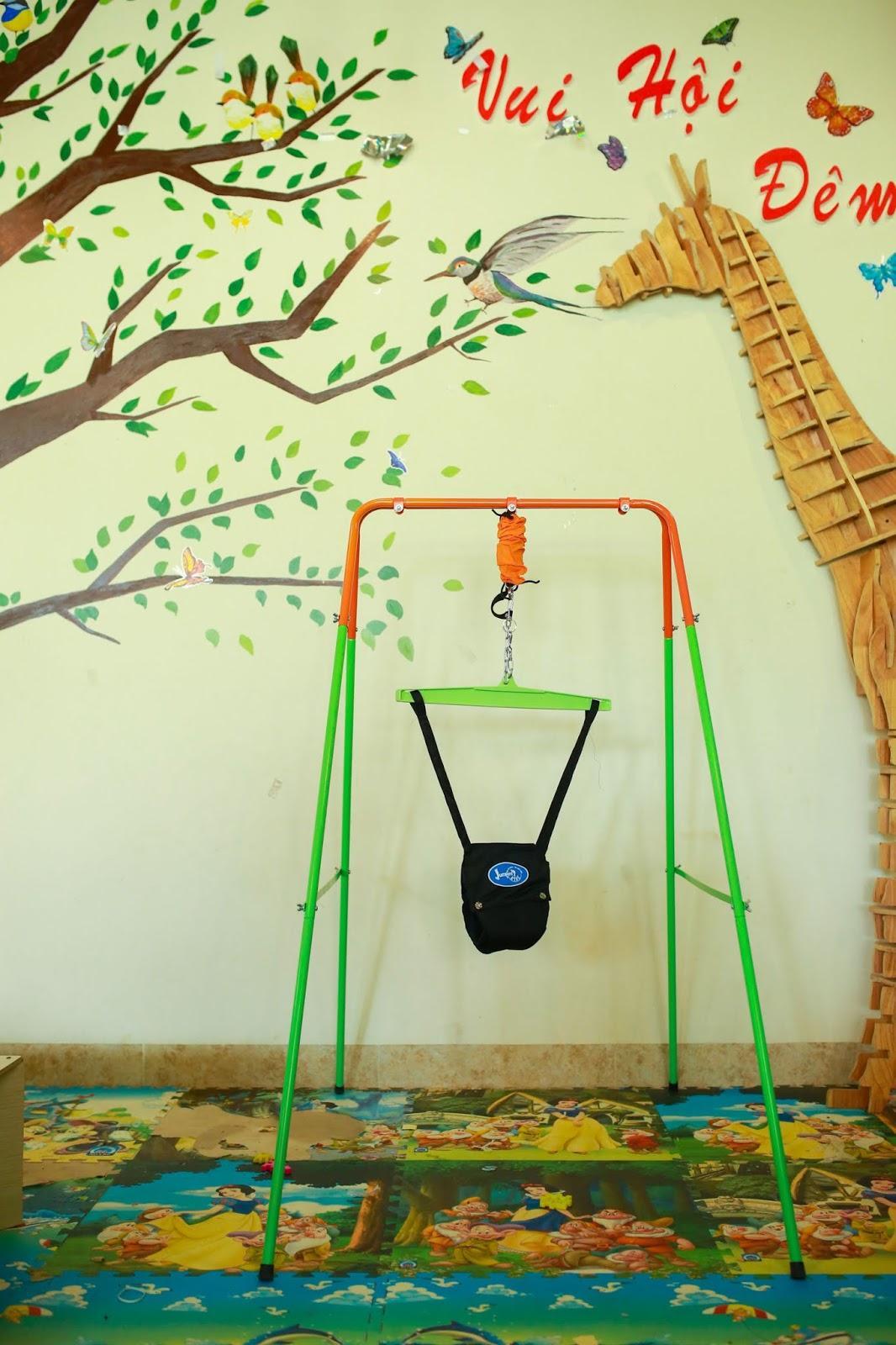 Xích Đu Nhún Nhảy Với Đai Tập Đi cho bé Jumper Kids