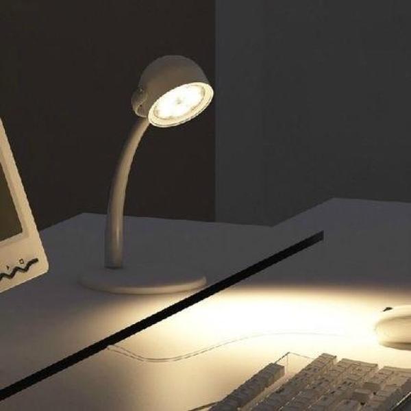 Đèn bàn led Philips Dyna hàng nhập ánh sáng trung tính