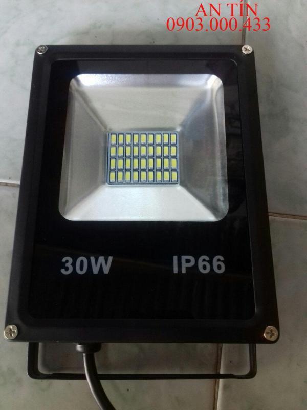 Đèn Pha Led IP66 Siêu mỏng, siêu sáng 30W (Ánh Sáng vàng)