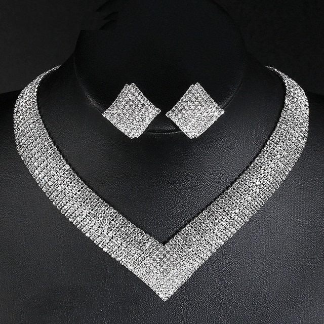 Bộ trang sức Vòng cổ - bông tai đính đá pha lê sang trọng
