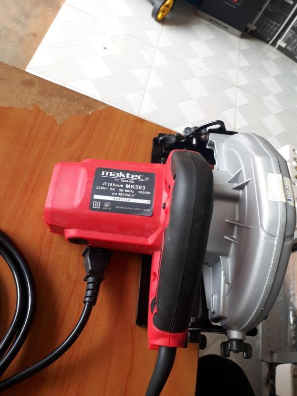 máy cắt gỗ maktec MK583