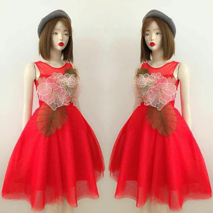 Hình ảnh Đầm dự tiệc công chúa hoa thêu siêu hót xòe phồng như cô dâu