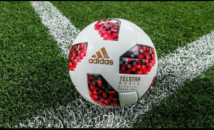 Hình ảnh Quả bóng đá World Cup 2018 TELSTAR màu đỏ
