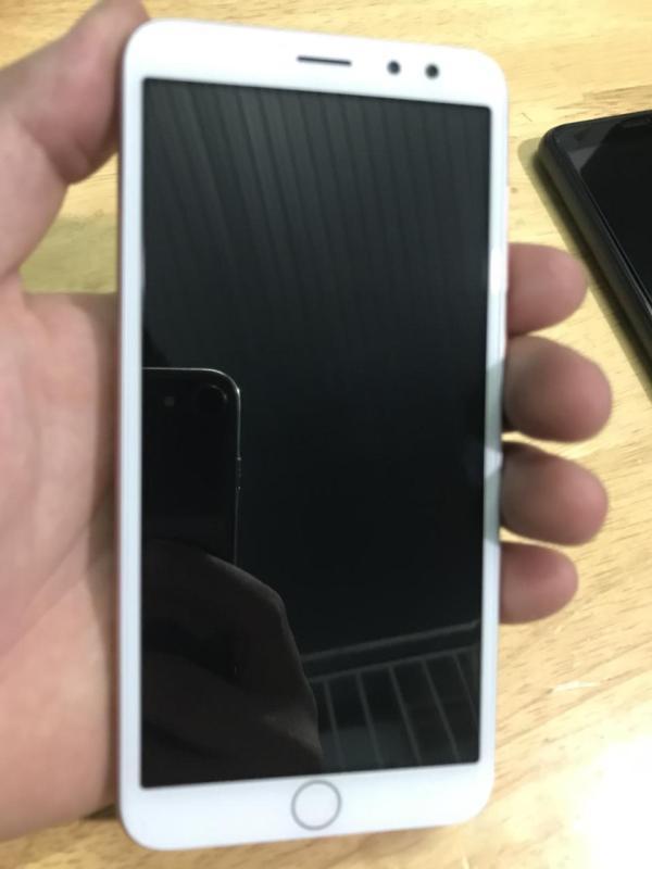 Điện thoại cảm ưng Telego Spot màn hình 5inch Ram 1GB Rom 8Gb pin 2300mAh camera 8MP + Tặng kèm miếng dán màn hình và ốp lưng
