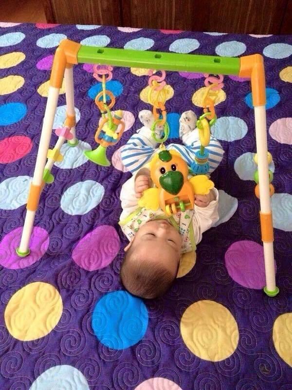 Hình ảnh Kệ vẹt chữ A cho bé chơi trên giường (âm thanh, đồ chơi giúp bé ngoan hơn) PDL