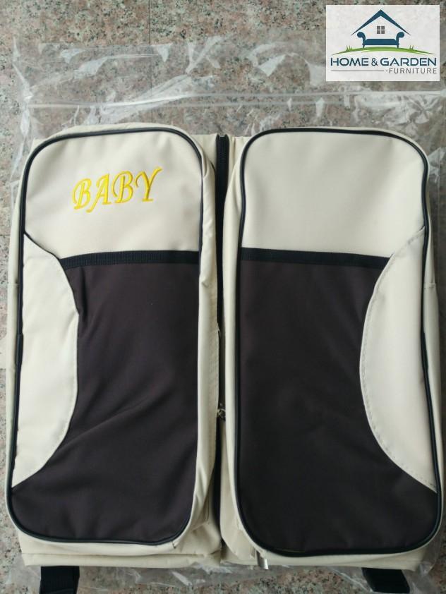 Túi xách đa năng Royal Baby màu Kem dành cho mẹ, xếp gọn được khi đi du lịch và có thể cho bé nằm ngủ kích thước ( 75x35x20cm )