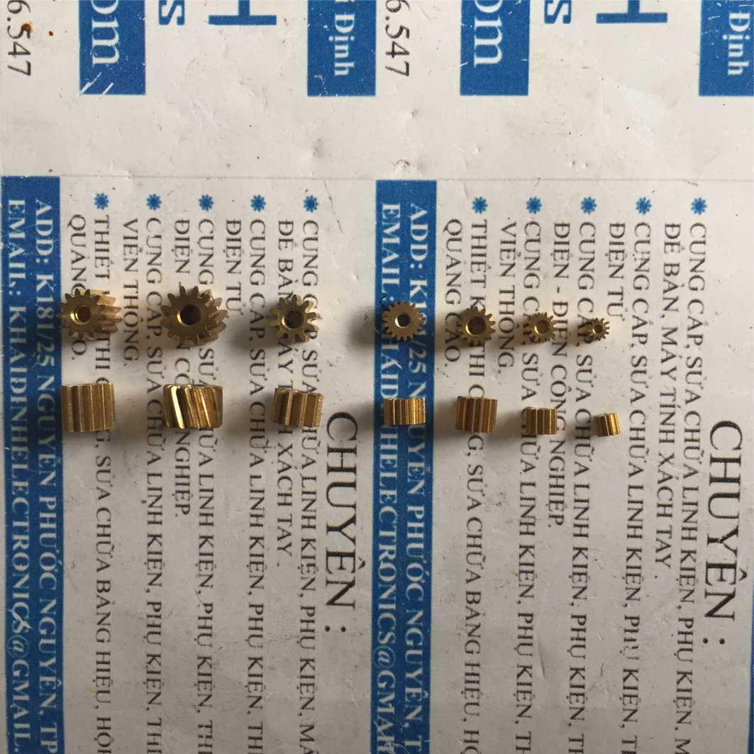 Hình ảnh bánh răng đồng 0.5 đầu trục 10 răng lỗ 2mm (5 cái) kde3556