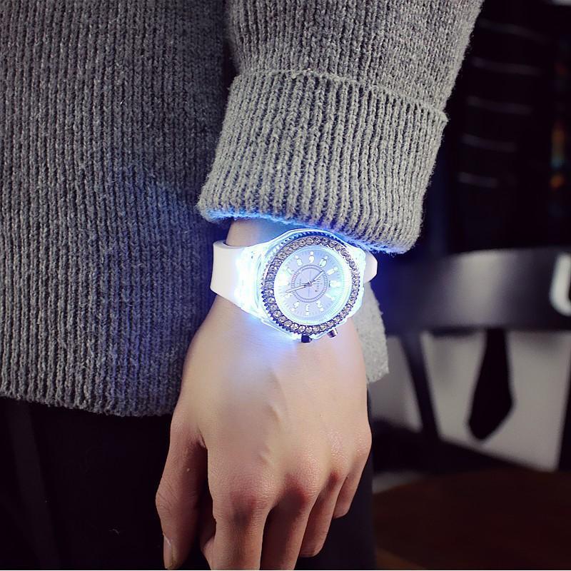 Đồng hồ máy pin Unisex , Đồng hồ đèn Led nam nữ phát sáng cực đẹp ,Dây Silicon cá tính, Cực bền Geneva 01