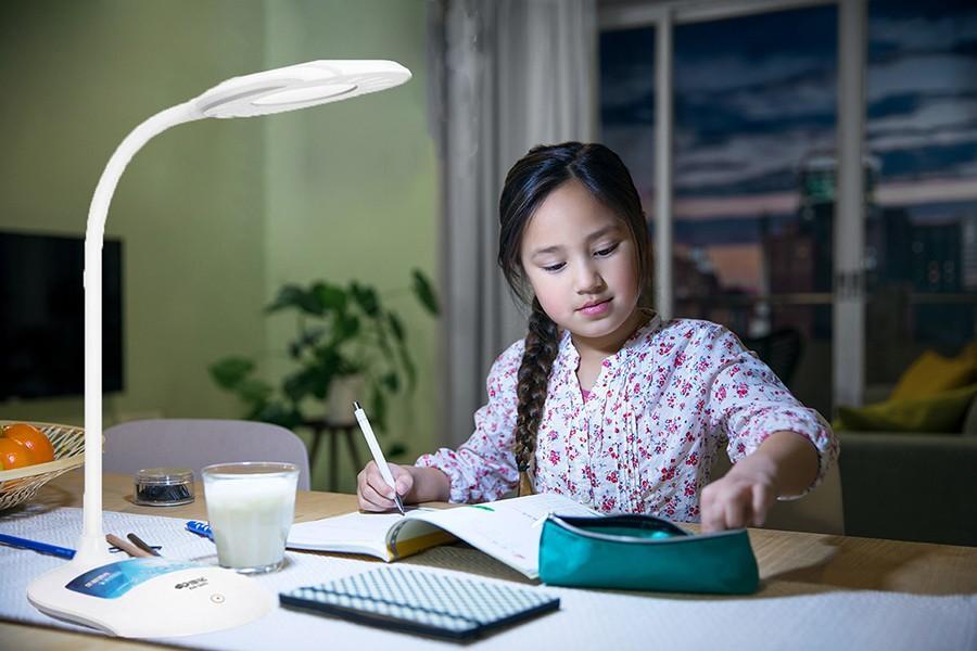 Mua đèn học chống cận cho bé - Đèn led cảm ứng usb - Đèn Led để bàn thông minh KM-S603. Đèn bàn bảo vệ thị lực, đèn tích điện có cổng USB kết hợp sạc điện thoại - Sản phẩm loại tốt, chất lượng cao - 1398 - BH uy tín 1 đổi 1 bởi VICTORIA SG